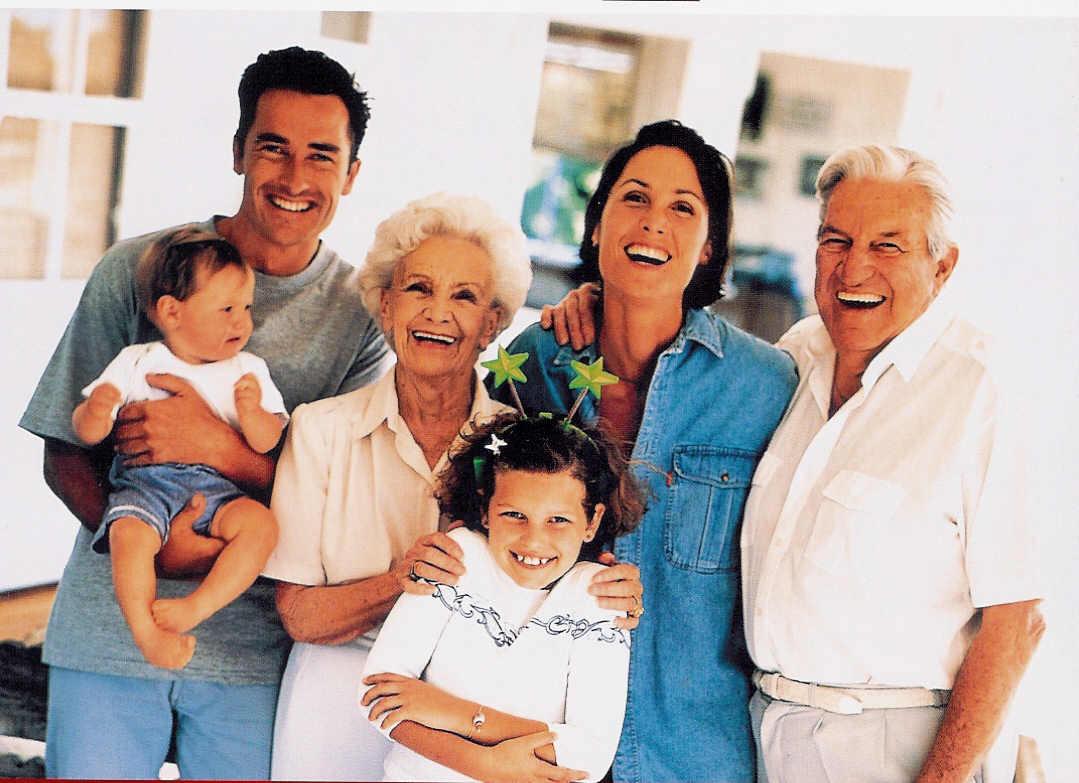 Diferencias entre tarjeta de familiar comunitario y reagrupación familiar
