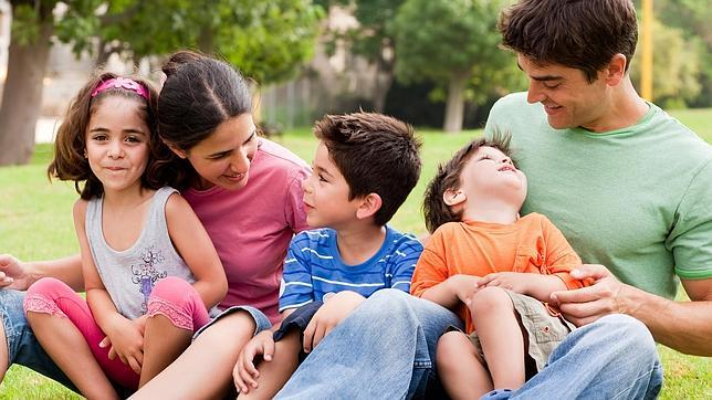 Requisitos económicos para obtener la tarjeta de familiar comunitario
