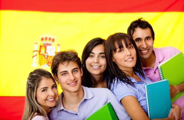 4 trámites imprescindibles que debes hacer al llegar a estudiar en España