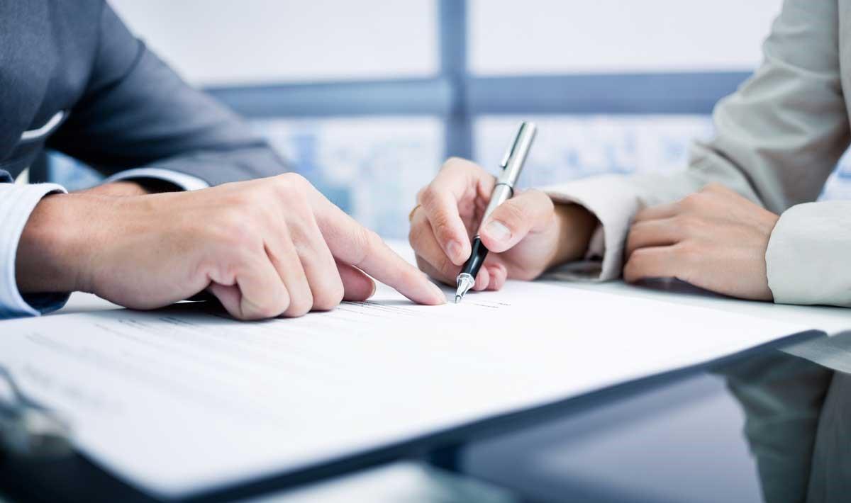Cómo debe ser el contrato de trabajo para el arraigo social
