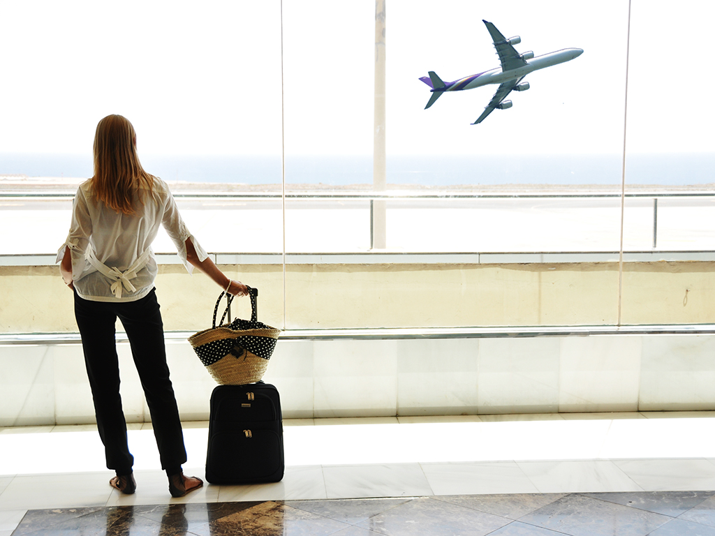 Autorización de regreso: ¿puedes viajar con el permiso de residencia próximo a vencerse o extraviado?