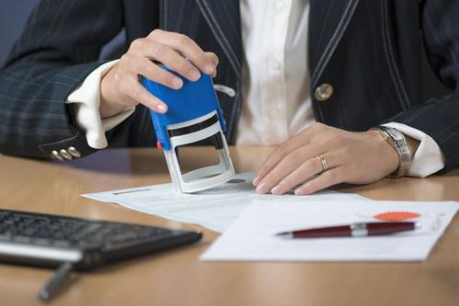 ¿Puedo solicitar arraigo social sin contrato de trabajo?