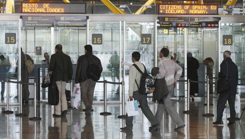 ¿Puedo pedir asilo en España si no viajo directamente desde mi país de origen?